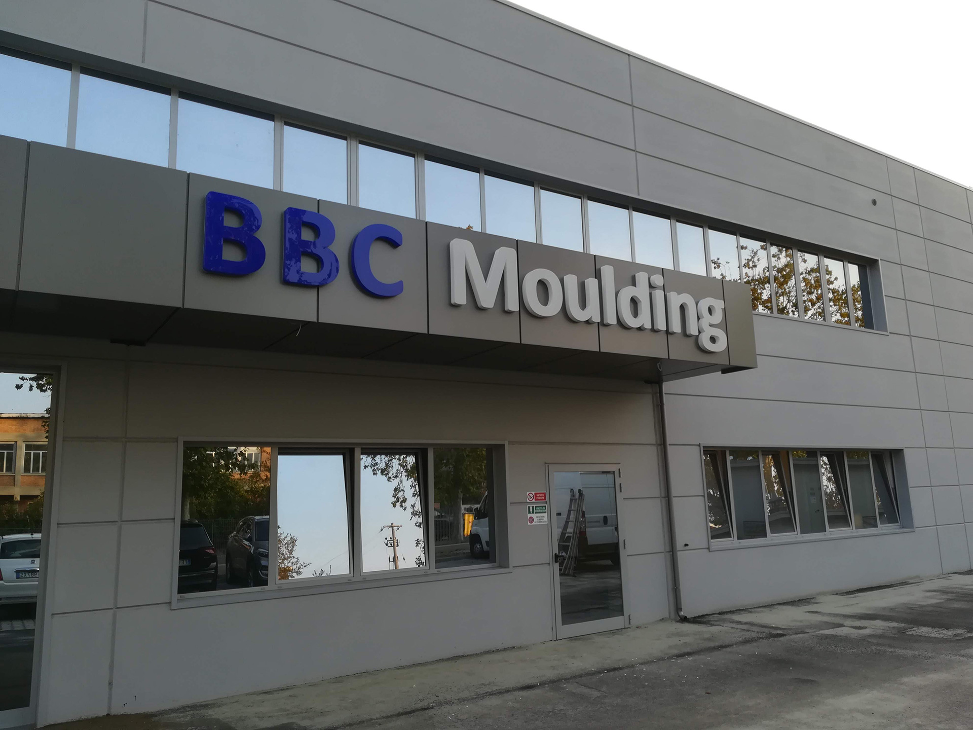 Insegne Led Bbc Moulding Fondello 15mm Sericart2